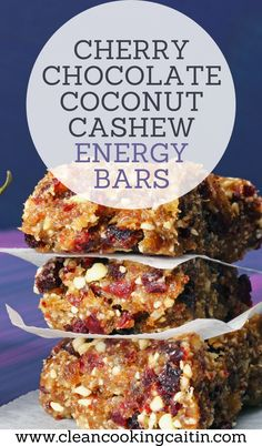 These easy, no bake plant-based cereal bars with dried cherries, dark chocolate, cashews, coconut, and whole grain cereal your family will want to eat up! | homemade chocolate energy bars | no bake chocolate energy bars | coconut chocolate energy bars | chocolate cashew energy bars | chocolate chip energy bars #chocolateenergybars #homemadeenergybars Coconut Chocolate, Chocolate Cherry, Homemade Chocolate, Healthy Dishes, Healthy Cooking, Healthy Snacks, Snacks Recipes, Whole Food Recipes, Date Paste Recipes