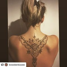 Back Tattoos Amazing Examples – My hair and beauty Mehndi Tattoo, Henna Tattoo Back, Back Henna, Back Of Neck Tattoo, Lace Tattoo, Henna Tattoo Designs, Back Tats, Stomach Tattoos, Spine Tattoos