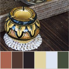 At Menashe Design we take care of every detail of the decor, no matter how simple it may seem. #menashedesign #nyc #interiordesign #project #detail #objectofdrsire #apartmenttherapy #newwebsite  #palette