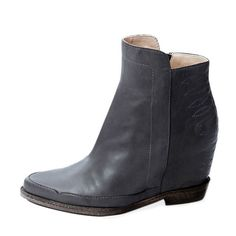 COWBOY MEETS ROCKER Internal wedge bootie Heel: Internal wedge 70 mm / inches Light grey nappa with tonal cowboy stitching Pointed toe Leather sole with small heel Zip on the inner side Regular fit Rock And Roll, Wedge Bootie, Chelsea Boots, Stitching, Wedges, Toe, Booty, Spring, Heels