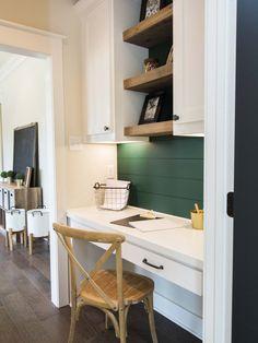 Grayson Series — Reece Homes Study Nook, Kids Study, Kitchen Desks, Kitchen Nook, Desk Nook, Home Office Space, Kid Spaces, Beautiful Kitchens, Open Shelving