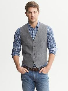 Love this and I am ready for fall. Herringbone Cotton Vest at… Vest Outfits, Casual Outfits, Fashion Outfits, Fashion 2016, Sharp Dressed Man, Well Dressed Men, Latest Mens Fashion, Urban Fashion, Men's Waistcoat