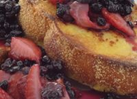 French Toast With Fresh Berry Salsa made with Stevia In The Raw® Raw Food Recipes, Low Carb Recipes, Baking Recipes, Healthy Recipes, Unislim Recipes, Delicious Recipes, Breakfast Toast, Breakfast Dishes, Recipes