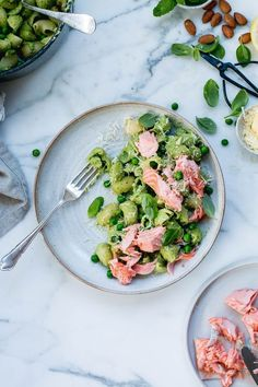 A fast, healthy and vibrant weeknight dinner - pea, mint and poached salmon pesto pasta. Packed with oily fish, greens and abundant flavour. Pasta Al Pesto, Salmon Pesto Pasta, Pot Pasta, Basil Pesto, Salmon Salad, Salmon Recipes, Fish Recipes, Seafood Recipes, Dinner Recipes