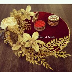 Pearl handle floral ring platter basket! #ringtray #ringceremony #ringholder #engagementring  #ringbearer #engagementringtray #hitched #weddingseason #weddingring #weddings #bridetobe #groomtobe #roka #shagun #trousseaupacking #customized #pretty #packaging For inquiries / customized orders call or Whatsapp us on +919820720448