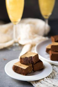 Chocolate Champagne Truffles - melt in your mouth soft, velvety, decadent, fruity truffles that is easy and less messy to make. Dusted with cocoa powder and gold luster dust. Perfect for celebrations. Cocoa Brownies, Fudgy Brownies, Fudge, Champagne Truffles, Chocolate Truffles, Luster, Celebrations, Powder, Happy Holidays