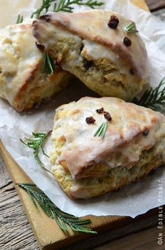 Christmas Morning Scones {aka Vanilla Bean, Nutmeg, and Rosemary-Scented Scones} PLEASE Don't put icing on them. they are scones not cookies! Holiday Baking, Christmas Baking, Christmas Desserts, Christmas Christmas, Christmas Lasagna, Christmas Tea Party, Christmas Fudge, Italian Christmas, Brunch Punch