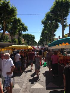 Market in Lorgues, every tuesday...