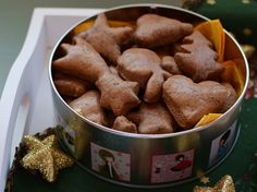Zdravé perníčky - Food by Kate Christmas Sweets, Dog Food Recipes, Cereal, Almond, Baking, Breakfast, Christmas Class Treats, Bread Making, Morning Coffee