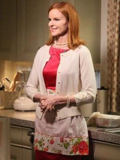 1000 images about bree van de kamp style on pinterest marcia cross desperate housewives and. Black Bedroom Furniture Sets. Home Design Ideas