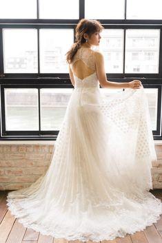 e4e7009558520 花嫁さまの個性を引き出すYolan Crisヨーランクリスで特別な一日を