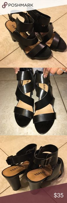 BLACK STRAPPY SANDALS FIRM PRICE Only used to try them on. In mint condition! torrid Shoes Sandals