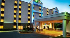 Holiday Inn Express and Suites Germantown Germantown This hotel in Germantown, Maryland features a seasonal outdoor swimming pool and daily hot breakfast. The Montgomery County Fairgrounds are 10 minutes' drive.
