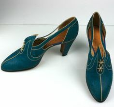 electric blue snakeskin shoes with beige kid trim from the 192o's.