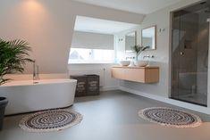 Polished Concrete Tiles, House Goals, Beautiful Interiors, Bathroom Interior, Toilet, Bathtub, Loft, Inspiration, Furniture