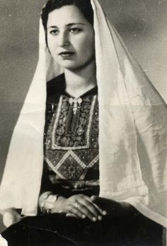 allaboutpalestine:  Palestinian woman in the mid 20s