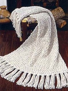 Moss Stitch Afghan - the pattern looks rich. This is for beginners like me. Got great reviews from knitters -