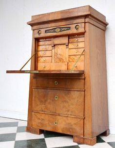 Rare Authentic Pyramid Lady's Bureau from Northern Germany, about 1830 Compact Furniture, Upscale Furniture, Asian Furniture, Furniture Styles, Furniture Projects, Cool Furniture, Modern Furniture, Furniture Design, Furniture Storage