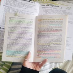 Lizzie, studyblr and bullet journal enthusiast! Study Journal, Book Study, Study Notes, Tittle Ideas, Book Annotation, Study Organization, Study Pictures, Pretty Notes, School Study Tips
