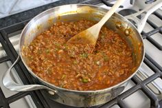 Sloppy Joe Casserole is an easy twist on traditional sloppy joes that's flavorful and delicious! The cheesy crust compliments the beefy tomato filling so well and makes for a quick and hearty weeknight dinner that the whole family will love! Best Sandwich Recipes, Meat Recipes, Cooking Recipes, Pizza Recipes, Potato Recipes, Yummy Recipes, Dinner Recipes, Healthy Recipes, Casserole Dishes