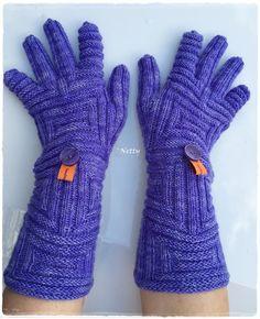 Handschuhe nach der Handstulpen-Anleitung Rettangolo polsini (Ravelry)