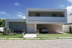 Fachadas de casas brancas minimalistas - veja modelos lindos! - Decor Salteado - Blog de Decoração e Arquitetura