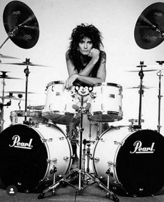 "the–blackdahlia: ""Good Morning Crueheads! Today is Tommy Tuesday! Today's theme: Drums The Motley Crew: Tommy Lee Motley Crue, The Motley Crew, Heavy Rock, Heavy Metal, Hair Metal Bands, Hair Band, Shout At The Devil, Pearl Drums, Vince Neil"