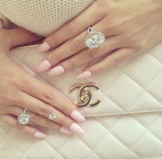 luxurylearry:  http://luxurylearry.tumblr.com/