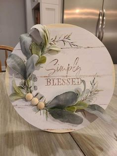 Diy Wreath, Wreaths, Pizza Pan, Craft Projects, Craft Ideas, Autumn Crafts, Dollar Tree Crafts, Silhouette Files, Wood Work