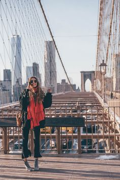 Brooklyn Bridge New York City on THELFASHION.COM | Wearing Glitter Boots, Skinny Jeans & oversized Bomber Jacket
