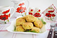 Reteta culinara Chiftele din dovlecel si branza de burduf, preparate la cuptor din categoria Mancaruri de legume. Cum sa faci Chiftele din dovlecel si branza de burduf, preparate la cuptor Ketchup, French Toast, Muffin, Vegetables, Breakfast, Ethnic Recipes, Food, Morning Coffee, Muffins