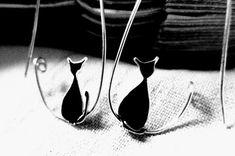 Gato negro pendientes. Aretes de plata del gato. por KUKLAstudio, €53.00