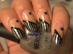 http://nailaddictp.blogspot.fi/2013/06/black-stripes.html