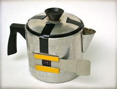 LOVE this pinhole camera teapot on Silverbased.org. Click through to their blog to see some of their great pinhole shots and a Pinhole Making and History 101.