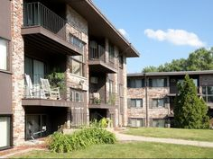 Gates at Carlson Center 300 Carlson Parkway, Minnetonka, MN, 5530 1 Bedroom from $1,133 2 Bedroom from $1,384