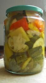 Zucchini süss/sauer eingemacht - Rezept Healthy Eating Tips, Healthy Nutrition, Fruits And Vegetables, Veggies, Vegetable Drinks, Preserves, Pickles, Cucumber, Food And Drink