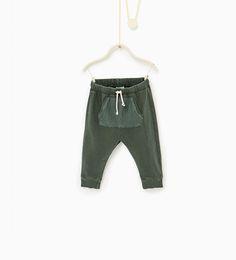 Bukser med en lomme i strik-BUKSER-BABY DRENG | 3 mdr. - 4 år-BØRN | ZARA Danmark