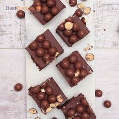 Chocolats Façon Kinder® Schoko-bons – Best for You Homemade Chocolate Bars, Chocolate Slice, Delicious Chocolate, Chocolate Recipes, Mars Bar, Chocolates, Australian Desserts, Baking Recipes, Sweets
