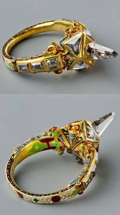 Icicle-shaped diamond ring, called the Matthias ring ~ late 16th century ~ Southern Germany made of gold, diamonds, and enamel. /// Bague avec diamant en forme de glaçon, appelé l'anneau de Matthias ~ fin du XVIe siècle ~ sud de l'Allemagne- en or, diamants et émail.