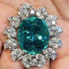 rubies.work/... Emerald and diamond ring