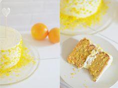 Karotten Torte mit Frischkäse: Rezept und ausführliche Anleitung, wie ihr eine saftige Karottentorte mit Frischkäse-Creme-Frosting zubereiten könnt.