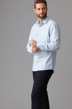 Cut in our modern fit, from a soft cotton this is the stripe shirt every man needs in his wardrobe. Featuring a left chest pocket and contrast inner cuffs this shirt is finished with Wild South branded buttons and shirt tag. Wear yours with slim chinos and trainers, to take you from weekday to weekend. Available in white and sky.