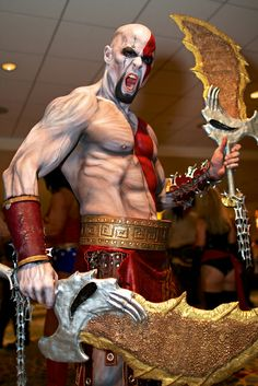 Kratos @Lindsey Grande Grande Morris thought you would love this amazing cosplay