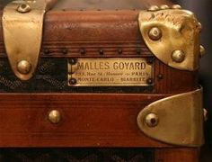 vintage Goyard - Goyard, established in is the oldest Parisian trunk maker still in business Vintage Suitcases, Vintage Luggage, Vintage Travel, Goyard Trunk, Goyard Bag, Goyard Luggage, Old Luggage, Custom Luggage, British Colonial Style
