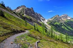 Top Hiking Trails in America http://traveleering.com/best-hiking-trails-america/#prettyPhoto