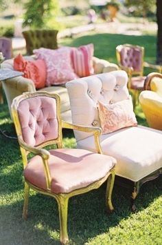 wedding furniture. read more - http://www.hummingheartstrings.de/index.php/dekor/hochzeitstrend…ge-moebeldekor/