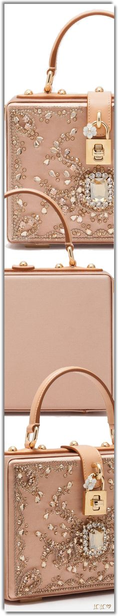 DOLCE & GABBANA BLUSH EMBELLISHED BAG #DolceGabbana #Handbags #Bling Vip Group, Pink Design, Everything Pink, Boss Lady, My Bags, Hermes Kelly, Unique Fashion, Handbag Accessories, Fashion Forward