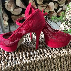 Marketplace for new and preloved fashion Save The Planet, Selling Online, Suede Heels, Second Hand Clothes, Peep Toe, Lace, Stuff To Buy, Shopping, Shoes