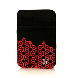 JT Magic Wallet Play Color: Red, Black and White #couro #bordado #fashion #accessories #moda #style #design #acessorios #leather #joicetanabe #carteira #carteiramagica #courolegitimo #wallet