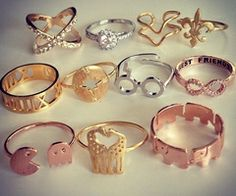 Find images and videos about gold, accessories and ring on We Heart It - the app to get lost in what you love. Cheap Fashion Jewelry, Stylish Jewelry, Cute Jewelry, Fashion Rings, Jewelry Accessories, Jewelry Design, Jewlery, Cute Rings, Pretty Rings